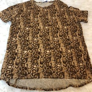 Tee shirt crew neck leopard print NWT